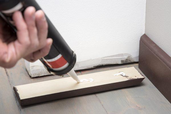 baseboard-caulking